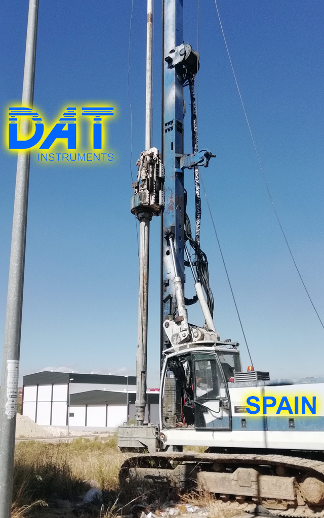 DAT instruments, JET 4000 AME J MM, datalogger, drilling rig in field, Spain, certificated soil mixing operations, Enteco drilling rig, data logger