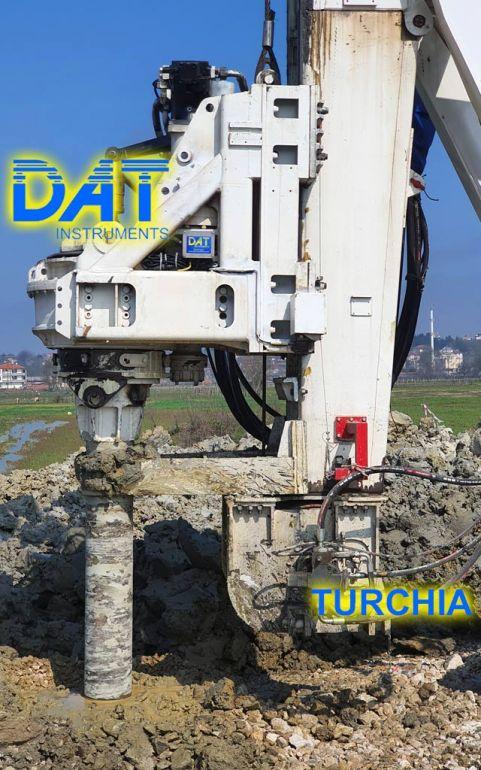 DAT TinyLog installato su una trivella Soilmec per i lavori di soil mixing per ampliare una strada in Turchia