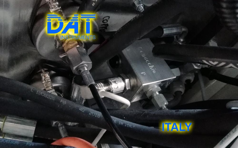 DAT instruments datalogger installed at the drilling rigs manufacturer, JET TORQUE, rod torque sensor for drilling